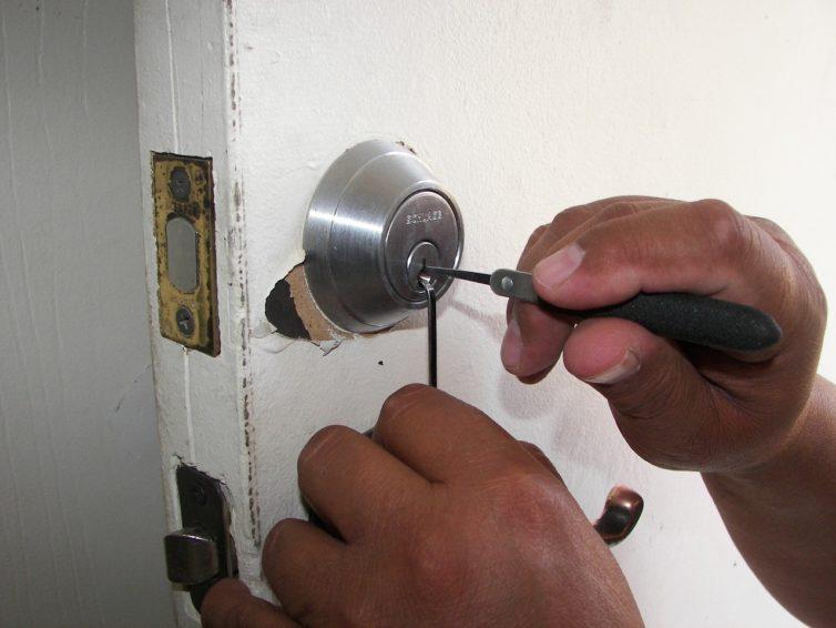 Beat Your Locksmith Emergency with 24/7 locksmith Services